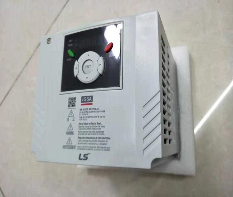 LS SV040iG5A-4 AC Drive Inverter 3 Phase 5.4HP 4KW 380~480V