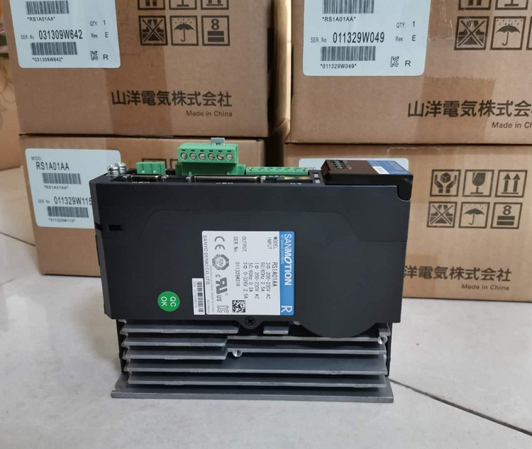 Sanyo Denki  servo drive RS1A01AA